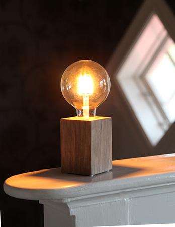 Bordslampa Lampfot Lys Trä