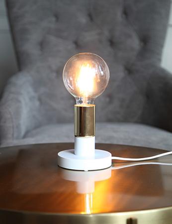 Duo Lampfot i trä med mässingsfärgad lamphållare E27