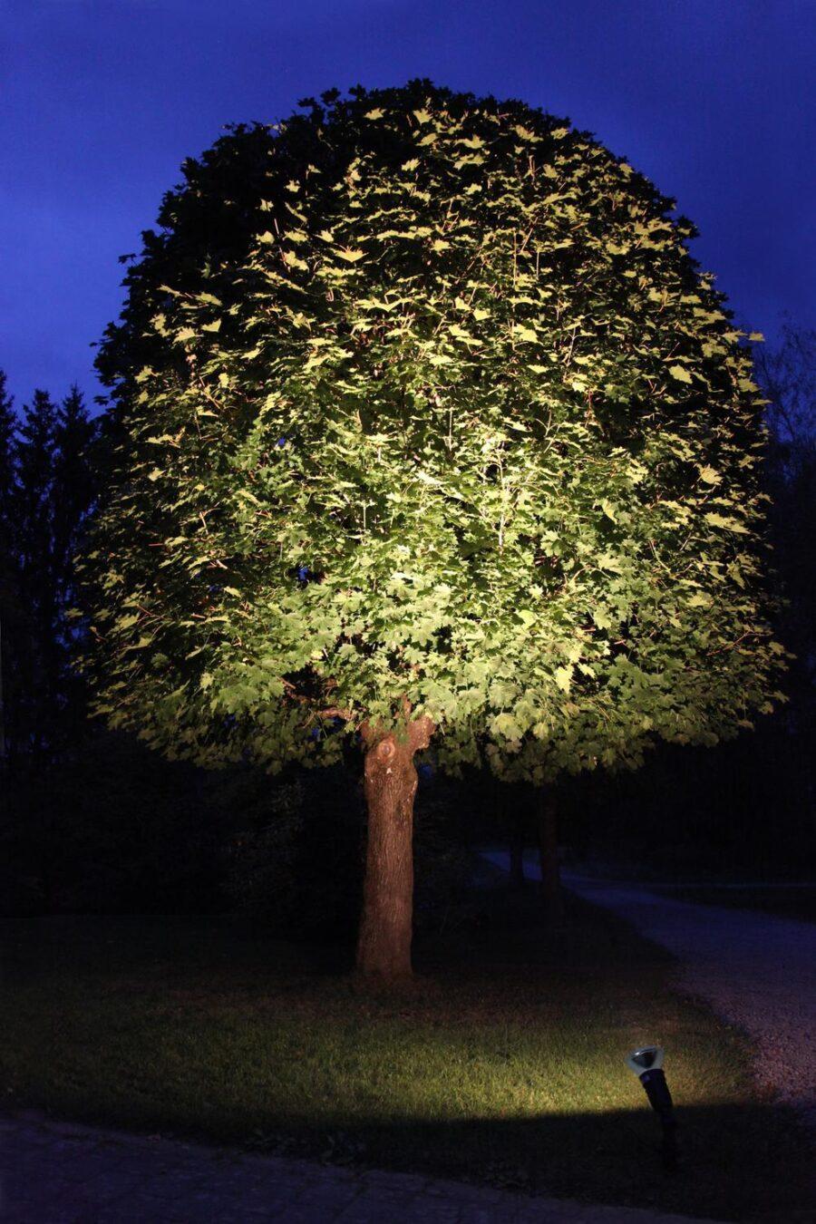 LED-lampa E27 Spotlight Outdoor 15W. Varmvit 1100Lm