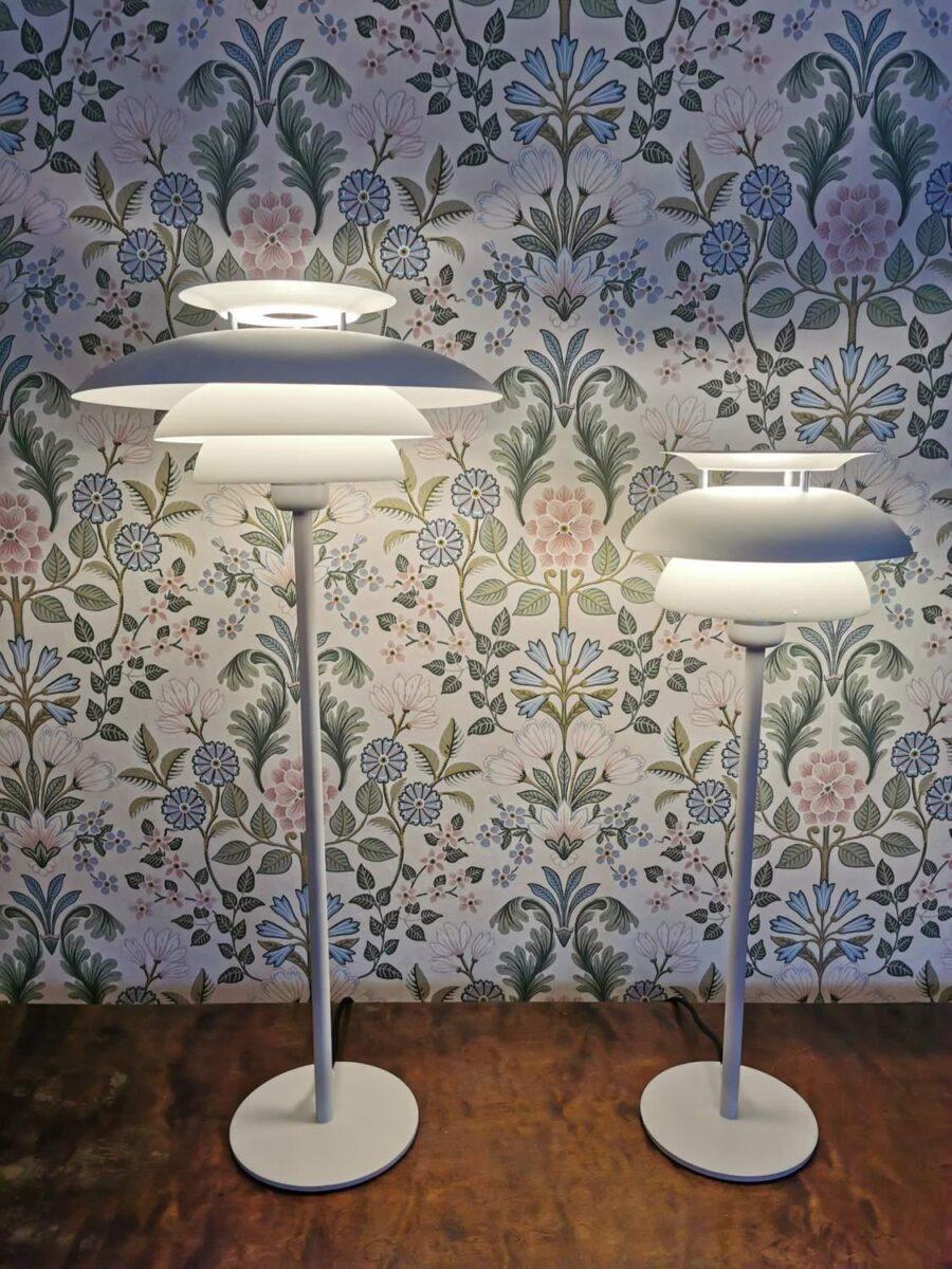 Bordslampa Flora Vit 55 cm - Eklunds Metall